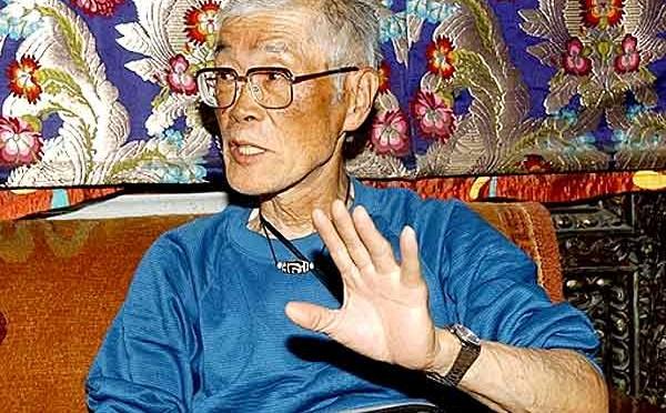 Japonês é o mais velho a subir o Everest