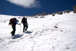 Brasileiros escalam o Huayna Potosi em preparação para Makalu