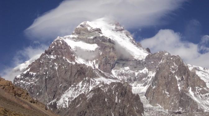 Aconcagua pode perder lugar de maior pico da América