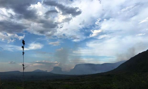 Trilha da Cachoeira da Fumaça é interditada após retorno de fogo na Chapada Diamantina
