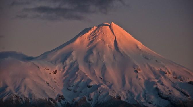 Nova Zelândia pede a alpinistas que usem shit tubepara não sujar montanha