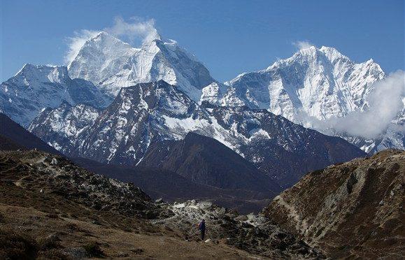 Após três anos sem cumes no Everest, nove nepaleses alcançaram o topo